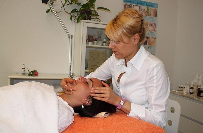 Alternative Hautbehandlung bei Heilpraktikerin Wenke Prokopp in der Naturheilpraxis Prokopp Erfurt